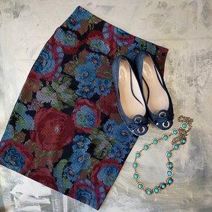 NWOT - LulaRoe Cassie Pencil Skirt Floral SZ S